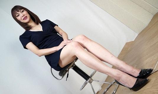 広瀬奈々美の腹パンチ画像